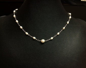 Delicate freshwater pearl necklace - Sterling Silver - Natural pearls - Free shipping to Canada & USA