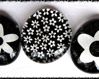 Glass Pebble Magnets - Black - White Flowers   Set of 3 -- Kitchen Magnets - Office Decor - Magnet