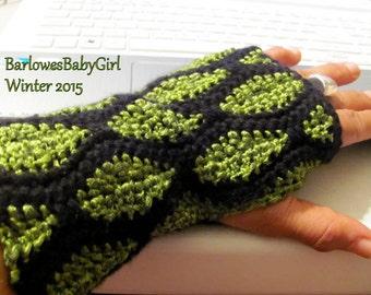 NEW - Crochet Snakeskin Textured Woman's Fingerless Gloves in Black and Metallic Green