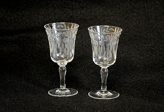Pair Of Vintage Etched 4oz Sherry Wine Stemmed Glass Goblet Goblets