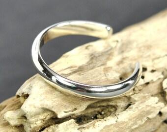 Silver Toe Ring, 2.5mm Solid Sterling Half Round Adjustable Toe Ring, Kristin Noel Designs