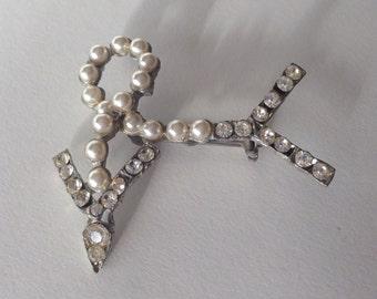 Vintage 1920s Art Deco Arrow Brooch - Rhinestone Faux Pearl - Bridal Fashions