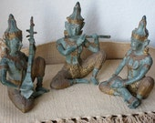 Thai vintage bronze sculpture set of three little musicians - Bronze cast pieces - Collectibles