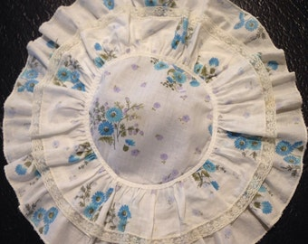 Cute Vintage Floral Print Ruffled Doily Shabby Chic