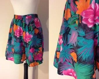 vintage 1990s Hawaiian print summer shorts. UK 12