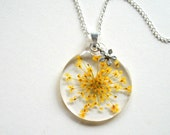 Yellow Queen Anne's Lace - Real Flower Garden Necklace - Pressed flower, Nature inspired, natural, modern, minimal, everyday casual, ooak
