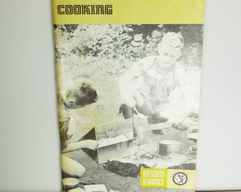 Boy Scouts of America - Cooking - Merit Badge Series 1978 Vintage Cookbook