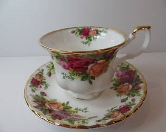 Royal Albert Old Country Roses Teacup & Saucer - Vintage Royal Albert Teacup - Royal Albert - Teacup - Royal Albert Old Country Roses