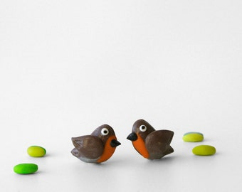 Robin post earrings - Fun jewelry - Cute bird studs in orange and beige - British garden birds