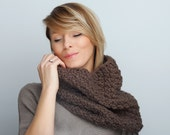 Infinity Scarf / Chunky Knit Scarf / Winter Shawl / Loop Scarf / Perfect Gift /Chunky Textured Cowl / Scarf Shawl Hood Cozy Neckwarmer Taupe