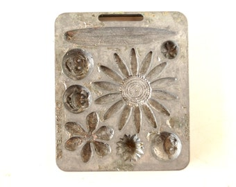 Vintage Fun Flowers Creepy Crawler Mold for Mattel Thingmaker #4520-051 (c.1966) E - Collectible Toy, Flower Mold, Curio Cabinet Oddity