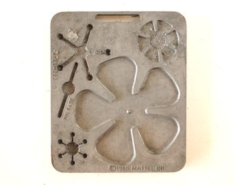 Vintage Fun Flowers Creepy Crawler Mold for Mattel Thingmaker #4520-053 (c.1966) E - Collectible Toy, Flower Mold, Curio Cabinet Oddity