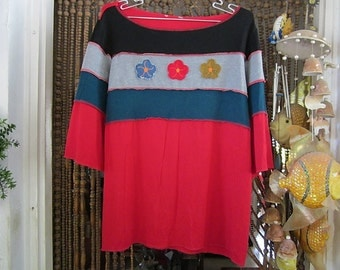 Gorgeous Red Top with Patchwork Appliques in Black, Gray & Dark Blue, Adorned with 3 patched Flowers, Vintage - Medium to Large