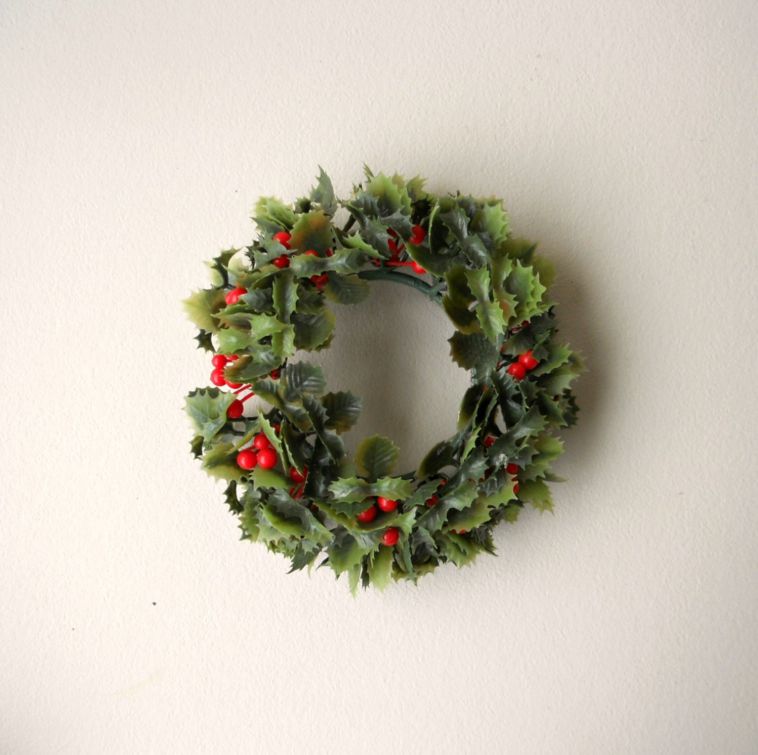 Vintage Candle Wreath Plastic Retro Holly Candle Pillar