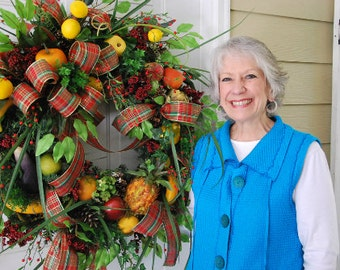 Downloadable Video, How to make a Christmas Wreath, Williamsburg Wreath,Fruit Filled Wreath, Wreath video, Wreath Instructions, DIY wreath
