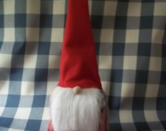 A Simple Cute Gnome - Red Hat
