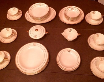 Vintage Streamline by Salem 40 Piece  Dinnerware Set