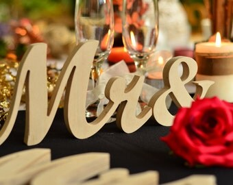 DIY unpainted  Mrs &  Mr.. signs... Wedding sign set. Sweetheart table decor wooden signs.