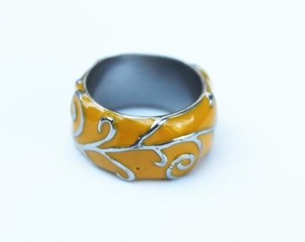 Vintage Yellow Enamel Ring with Silver Design