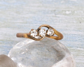 Antique Rolled Gold Ring with Rhinestones - Size 10