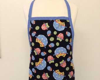 Owl kids apron with blue trim and ties