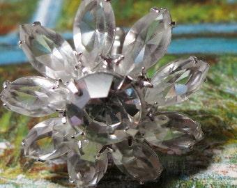 Vintage screw back earrings, daisy flower shaped, clear open petals, central facet cut stones, pong set.  SLVAK14.10-26-2.