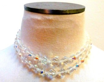 Vintage 1960s Iridescent Bead Choker Necklace