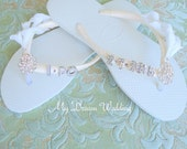 I do havaianas flip flops. white Havaianas Flip Flops. Bridal Date and  Swarovski Crystals sandals.  I Do Collection Havaianas-Ivory