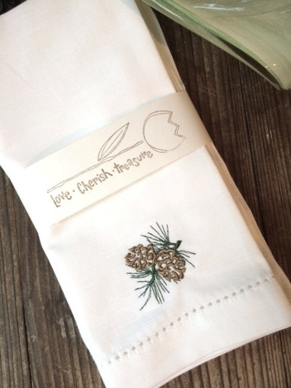 Winter Pine Cone Embroidered Cloth Napkins, Set of 4, Christmas napkins, Christmas cloth napkins, pine cone napkins, pincones