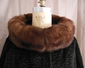 HOLD FOR EMILY: Vintage Lambs Wool Woman's Coat with Fur Collar Size 10/12/14  Medium, Large Swing Style.