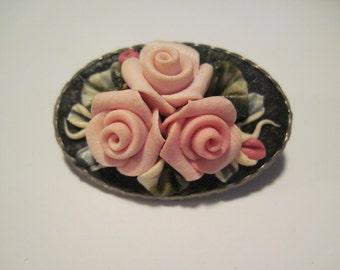 Beautiful Vintage Trio of Pink Roses Flowers Brooch