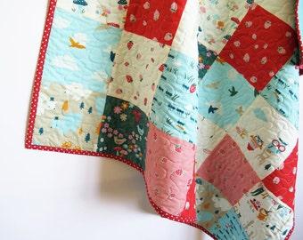 Modern baby quilt, patchwork throw, crib quilt, organic, gender neutral, red blue white, nursery bedding