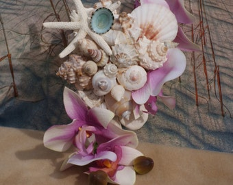 Flower Girl or Jr. Bridesmaid Handheld Seashell and Flower Bouquet / Beach Bouquet