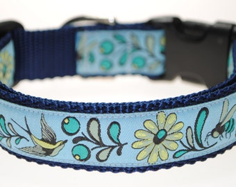 "Last one!  Sparrows & Bees - 1"" Adjustable Dog Collar"