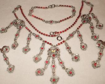 gorgeous wearable Vintage Rhinestone necklace/bracelet/earring set
