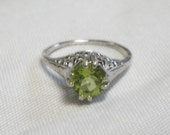 Peridot Ring - 1 Carat Genuine Peridot - Sterling Silver - Vintage