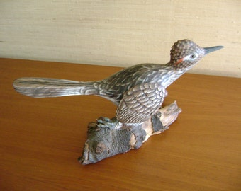Road Runner Carving by MA HAI FENG