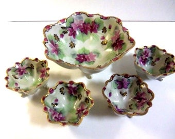 Ruffled bowl with matching Cups