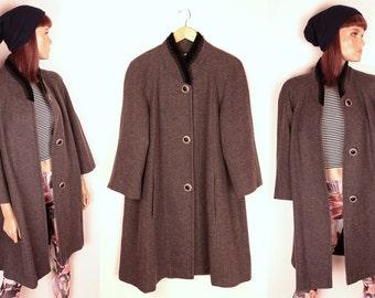 25% OFF SALE // vintage swing coat // velvet collar