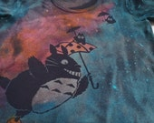 Womans's large discharge t-shirt with the flying Totoro and his umbrella, little friends, gorgeous colors are turquoise, pink, orange