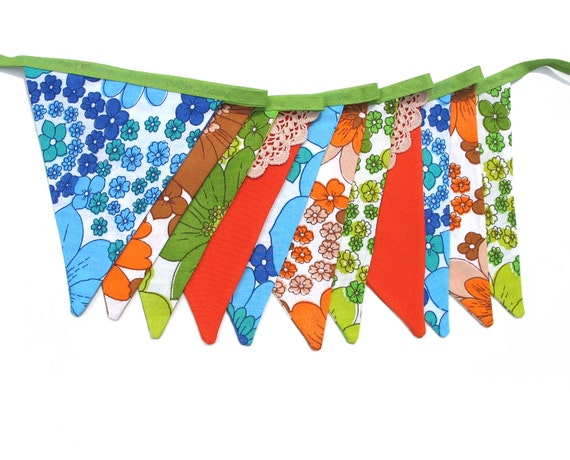 RETRO Vintage  Bunting - Floral Doily Lace Flags. Bedroom Wall hanging, Birthday Parties, Market Stall, Party, Shop Banner . Handmade