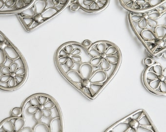 10 Hearts floral charms flower power antique silver plated 28x28mm P3976
