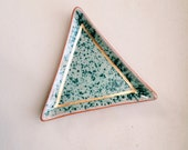 triangular speckled ring dish