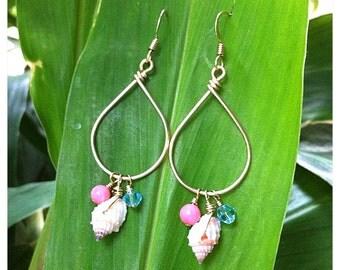 Beach Chic Shell Earrings-coral, pearl, shells, beach jewelry, ocean jewelry, hawaii, kauai