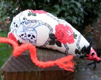 Catnip Mouse -  Cream Skulls & Roses design - Made with Extra Strong Catnip