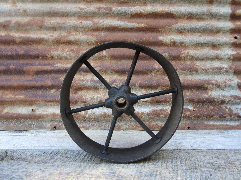 roue de metal antique fer hit and miss style panier roue. Black Bedroom Furniture Sets. Home Design Ideas