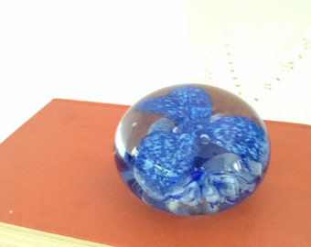 Flower paperweight - signed  art glass - Jacob Glass '89 - desk accessory - gift idea - office decor - Library Decor - Co-worker gift - 80s