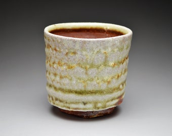 Shigaraki, anagama, ten-day anagama wood firing, with natural ash deposits tea cup. yunomi-08
