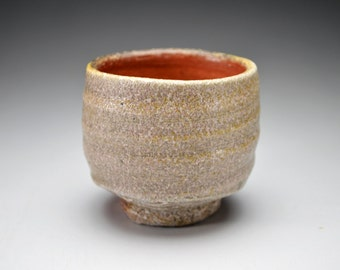 Shigaraki, anagama, ten-day anagama wood firing, with natural ash deposits sake cup. gui-01