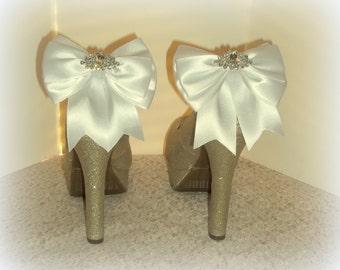 SHOE CLIPS, Bridal Shoe Clips, Wedding Shoe Clips, Shoe Clips for Shoes, Shoe Clips Only, Many Colors Available, Satin Bow Shoe Clips